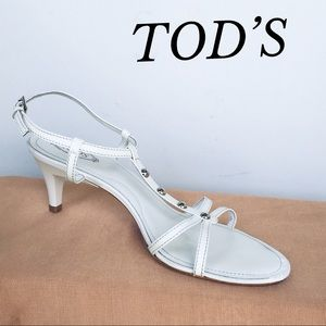 GORGEOUS TOD'S WHITE PATENT LEATHER HEEL SANDALS